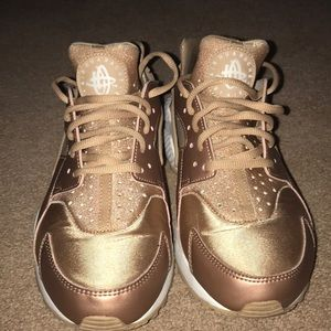 Rose Gold Nike Huraraches